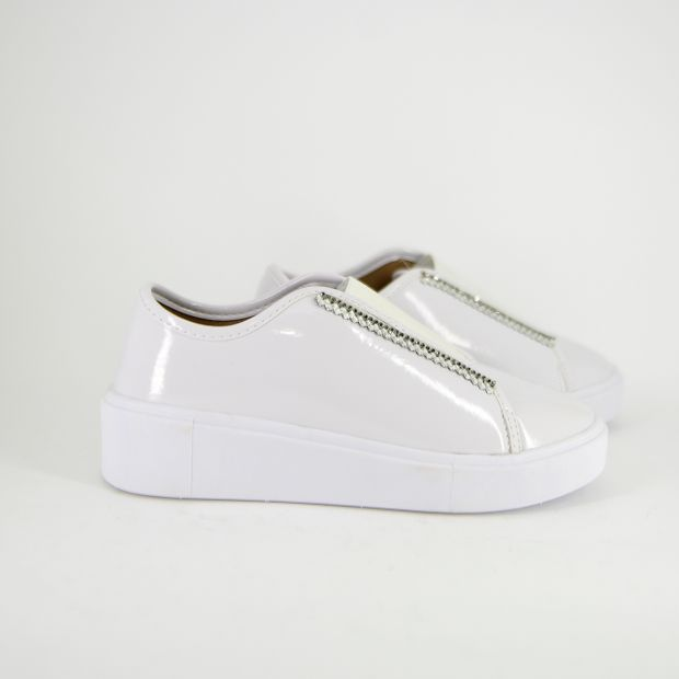 TÊNIS SLIP ON COM STRASS